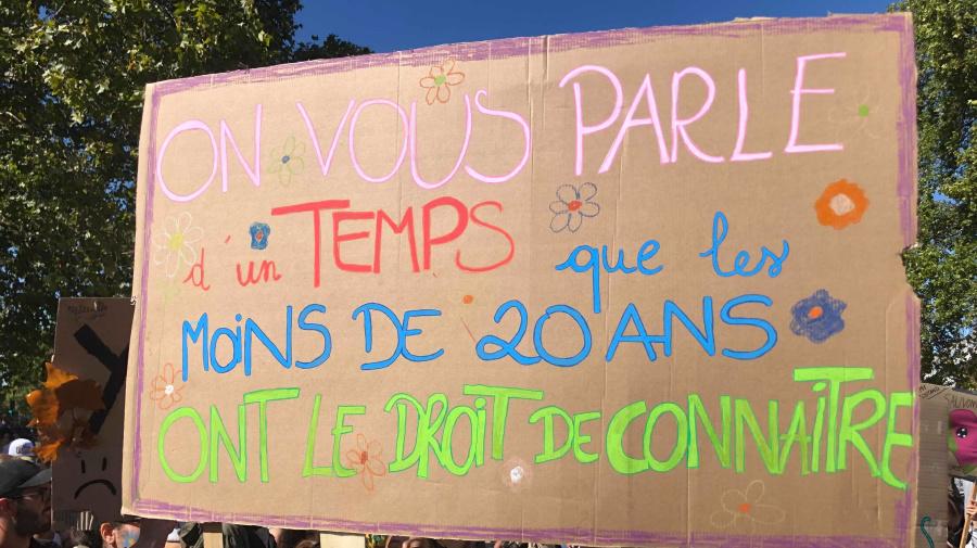 Les pancartes les plus drôles de la marche pour le climat