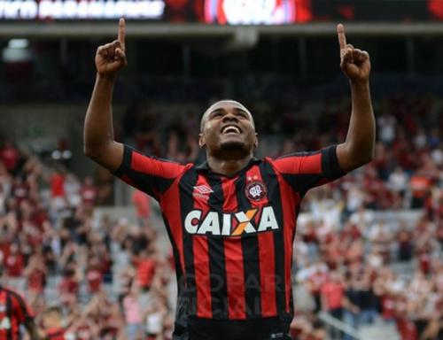 Atlético-PR larga na frente do Londrina na semifinal do Paranaense