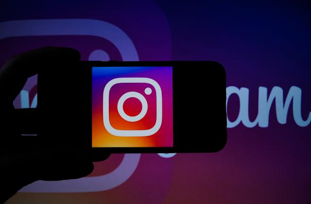 Facebook takes down hundreds of fake Instagram accounts in Russia