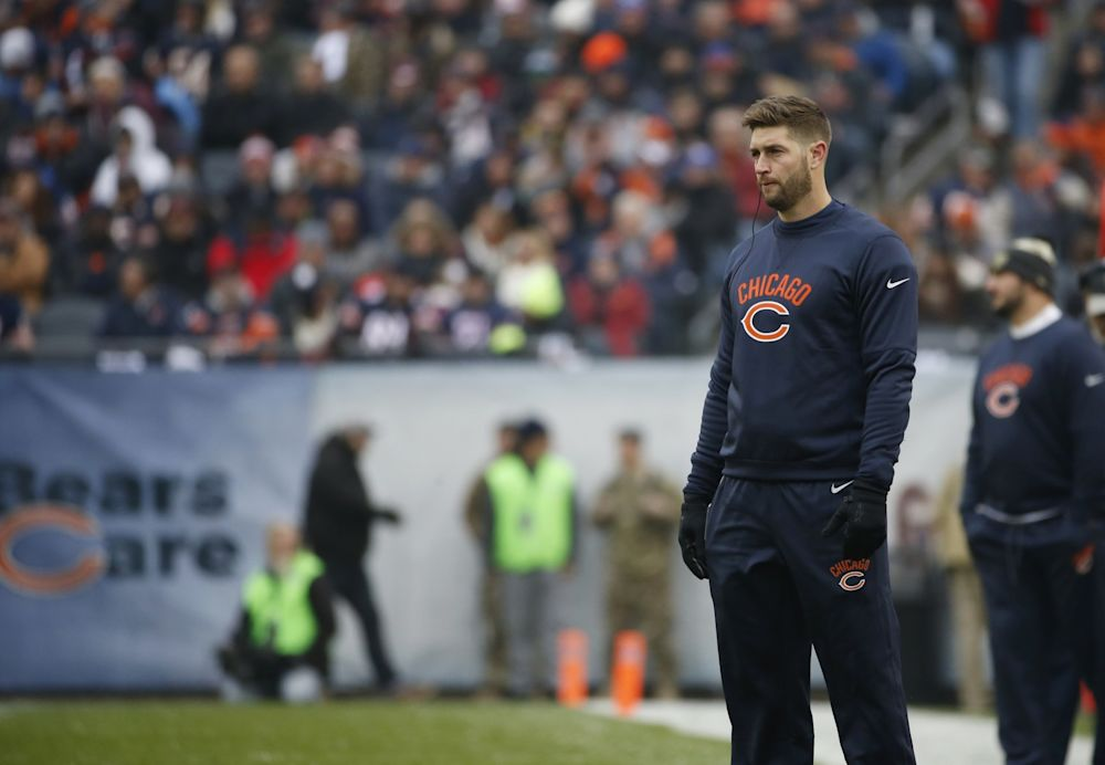 Jay Cutler's retirement didn't last too long as he's bound for Miami after signing a one-year deal with the Dolphins for $10 million. (AP)