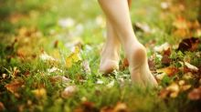 Grounding: Walking barefoot is the key to getting over jet lag, wellbeing expert claims