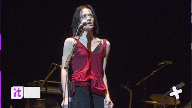 Fiona Apple Breaks Down After Being Heckled During Concert