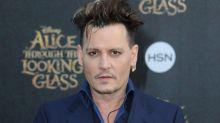 "Johnny Depp cambia su tattoo en honor a Amber, de ""delgadita"" a ""escoria"""