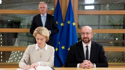 Sombre EU leaders sign withdrawal agreement
