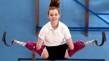 Superó la pérdida de sus pies y manos y ahora es campeona en trampolines