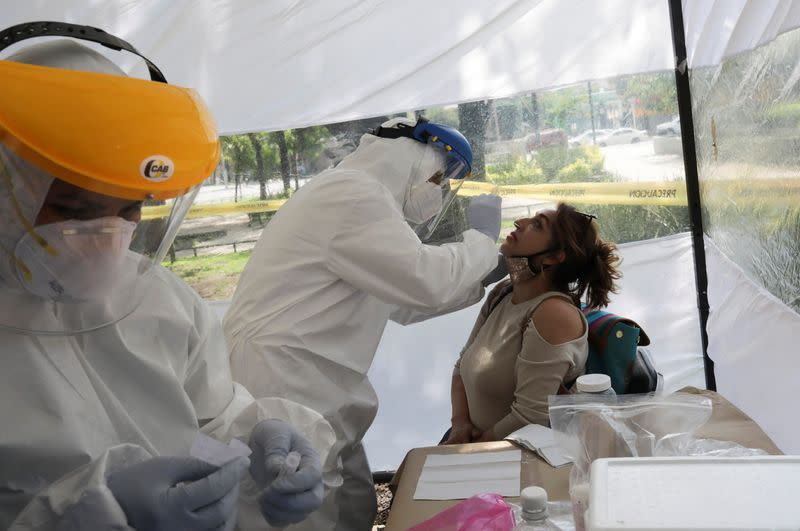 Mexico reports 4,647 new coronavirus cases, 611 deaths