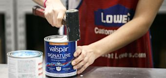 Lowe's reports $1.57 EPS, short of Wall St. estimates