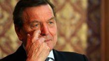 Schröder nach Giftanschlag auf Nawalny für Tätigkeiten in Russland unter Beschuss