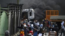 Venezuelans rally in anger at death of young protestor