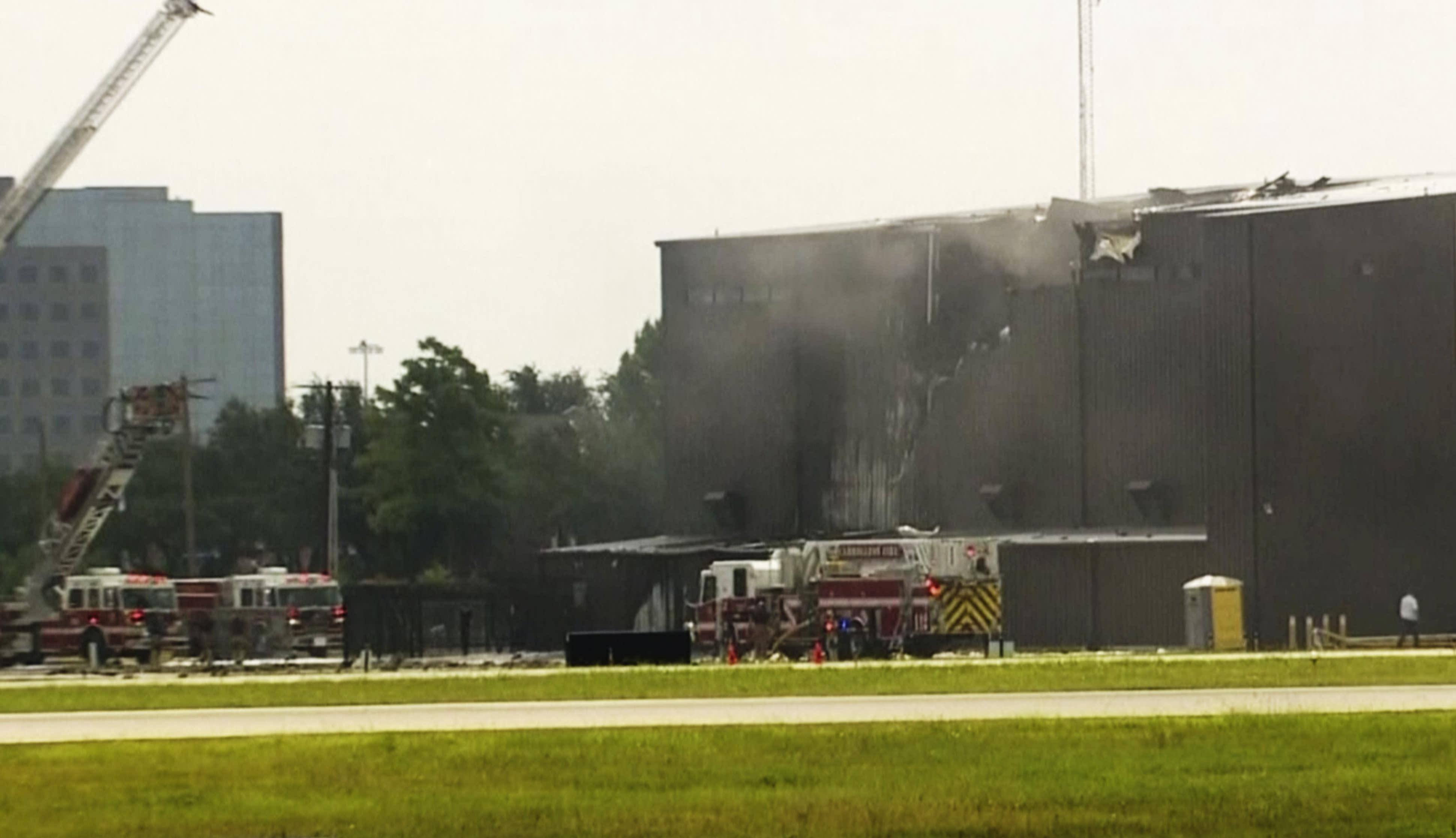 The Latest: 4 family members among Texas plane crash victims
