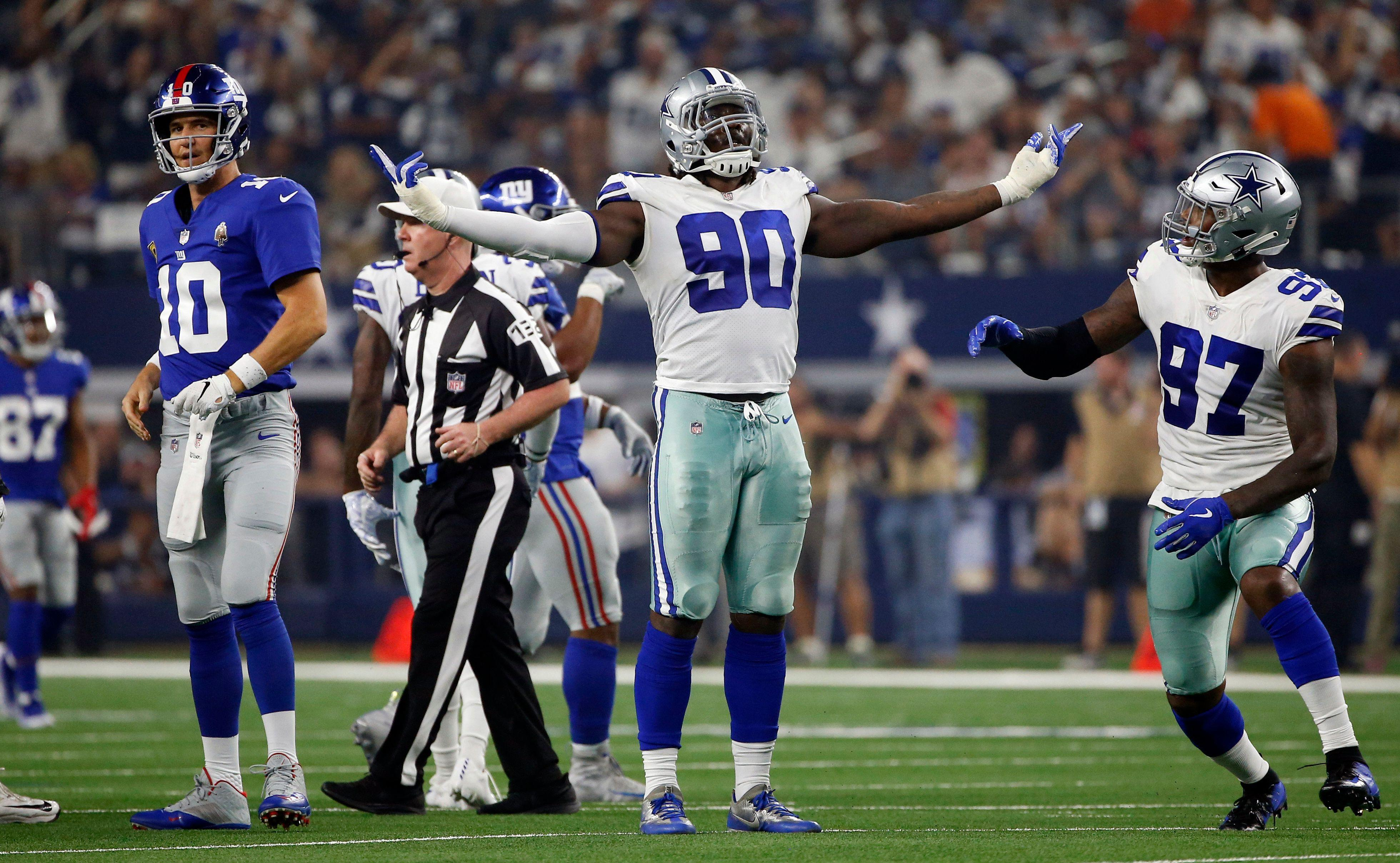 Cowboys' DeMarcus Lawrence has funny reply to notion Eli Manning has 'plenty left'