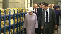 "Queen Elizabeth on financial crisis: Bankers ""got a bit lax"""