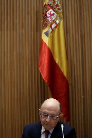 España se reserva impuesto medioambiental y a bebidas azucaradas si hay desviación en el déficit