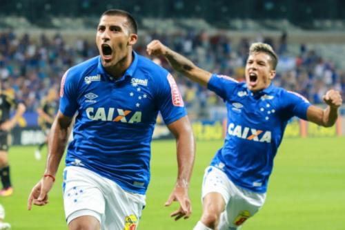 Fifa intima Cruzeiro a pagar dívida por Ábila, mas time promete recurso