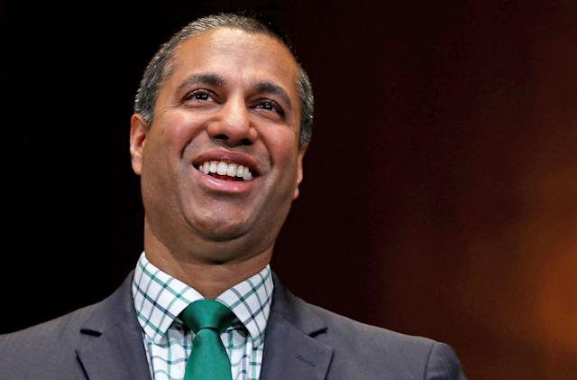 FCC and DOJ urge court to reject challenge to net neutrality repeal