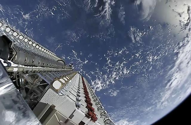 SpaceX's internet satellites could be a problem for astronomers