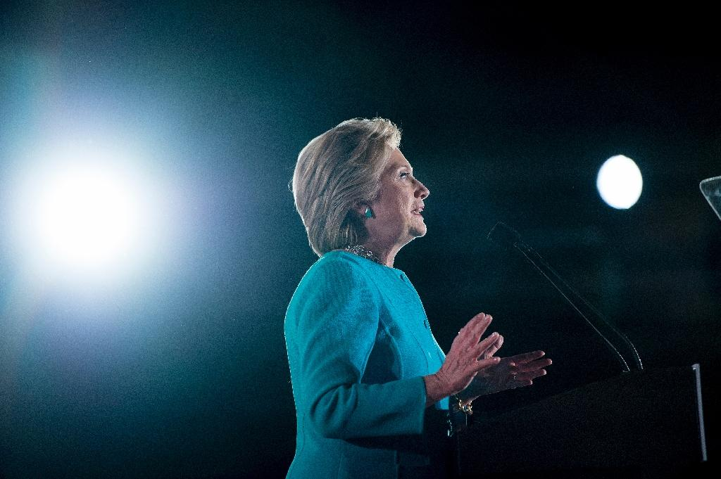 Democratic presidential nominee Hillary Clinton speaks during a rally at the Armory November 6, 2016 in Manchester, New Hampshire (AFP Photo/Brendan Smialowski)