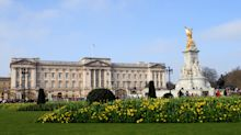 Should Buckingham Palace be open all year round?