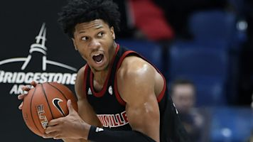 AP Poll: Louisville still No. 1, Ohio State jumps