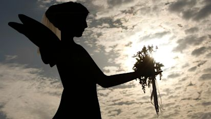 How do we celebrate the virtues of dead loved ones in a secular age? | Jeff Sparrow