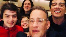 Celso Portiolli e Tom Hanks é o encontro mais bizarro que você vai ver hoje