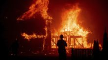 Fast-moving wildfire ravages Paradise, Calif.
