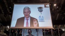 Assange transformou embaixada em QG para interferir em eleições, afirma CNN