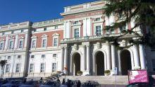 Napoli, 18enne si sveglia dal coma all'ospedale Cardarelli