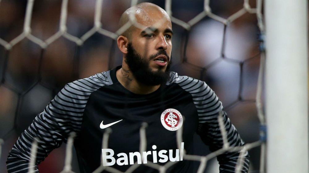 Danilo Fernandes é aprovado em teste e confirmado na final entre Inter e Novo Hamburgo