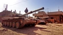 IS lights smokescreen against regime raids in east Syria: monitor