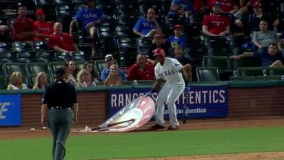 Adrian Beltre ejected for hilarious antics in on-deck circle