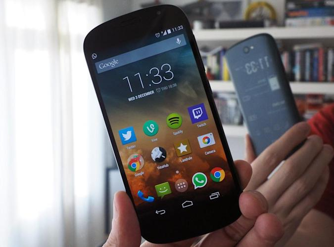YotaPhone 2's US launch canceled after crowdfunding success