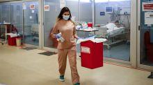 Francia añade a Argentina, México y Colombia a países a los que exige un PCR