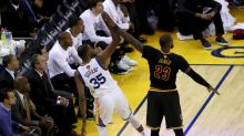 Three Things to Watch for in Game 3: Cleveland digs in on offense, as Steve Kerr cackles
