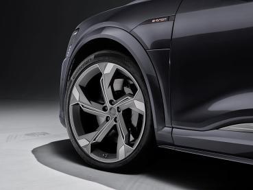 AUDI e-tron車系性能再進化,交流電充電功率升級22kW並提升操駕便利性