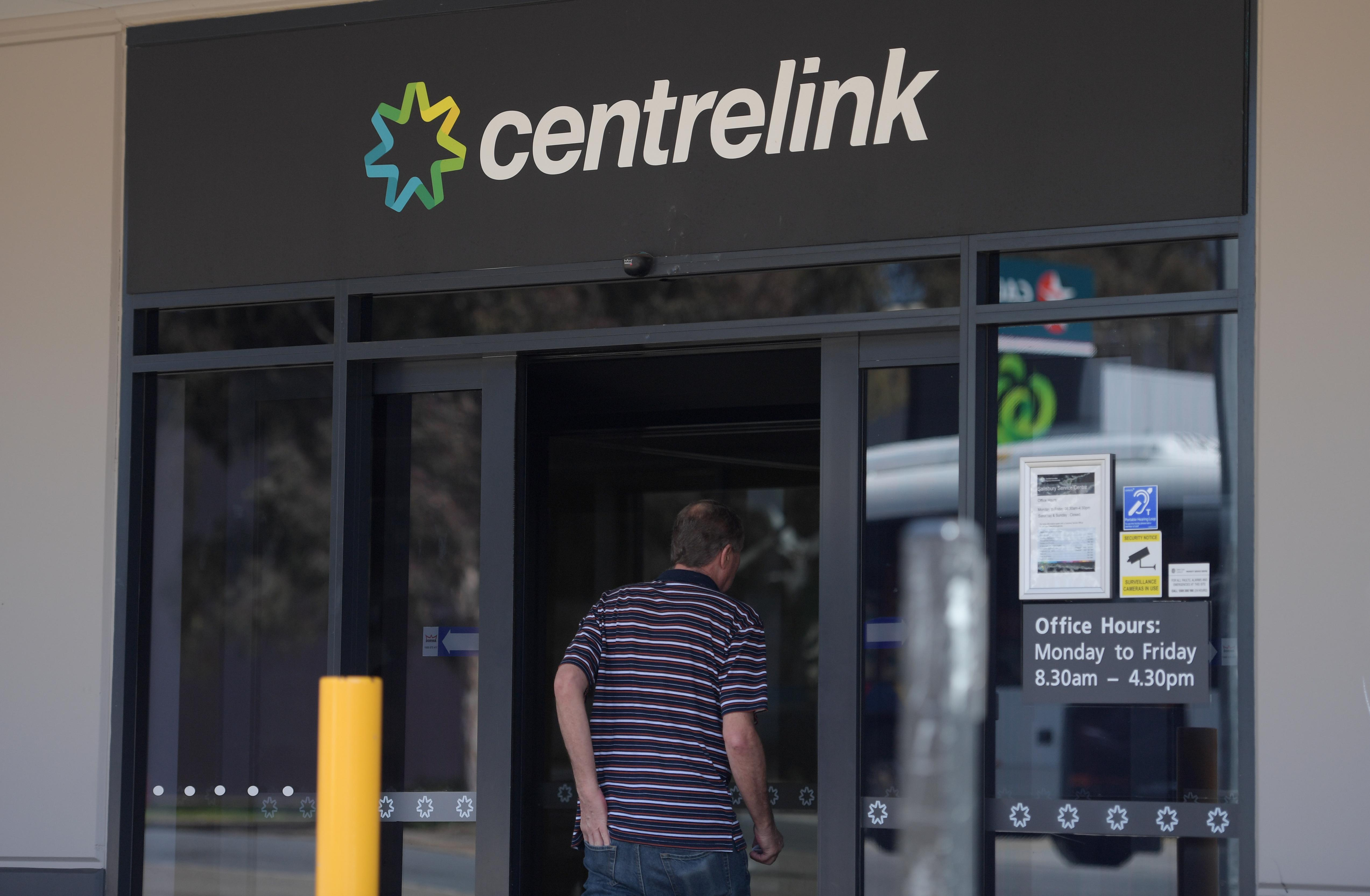 Centrelink's contentious robo-debt program hit with new legal challenge