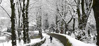 UK weather: Up to 10cm of snow prompts warning of 'significant disruption' in England