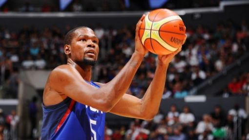 Kevin Durant turns jeers to cheers, leads Team USA to lopsided exhibition victory