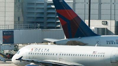 Delta passenger thought needle was a toothpick