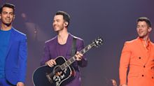Kevin Jonas and His Daughter Alena Shared the Sweetest Moment on the Happiness Begins Tour