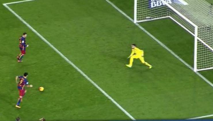 Lionel Messi : Son incroyable penalty réussi avec Luis Suarez (Vidéo)
