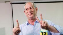"""""""Como pode um deputado federal ter uma casa em um condomínio na Barra? Tudo ladrão"""", diz Ciro sobre Bolsonaro"""