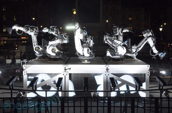 Audi robot arms take over London, write messages with LEDs day and night (video)