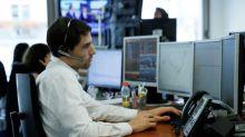 La Bourse de Paris en progression, la politique continue à dominer