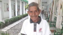 Ejemplar abuelito mexicano de 80 años termina su preparatoria; recorría 40 Km para llegar a la escuela