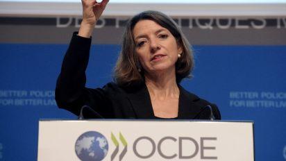 OECD cuts global growth forecast