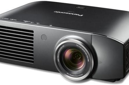 Panasonic's PT-AE7000 is its first 3D home theater projector, arrives in September for $3,499