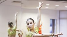 Bollywood, el baile con el que no dejarás de sonreír que puede ayudarte a pasar página
