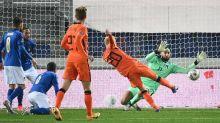 L'Italia con l'Olanda non va oltre l'1-1. Mancini non risolve il problema del gol e perde la vetta della classifica