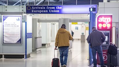 UK continues to attract EU nationals as more migrate